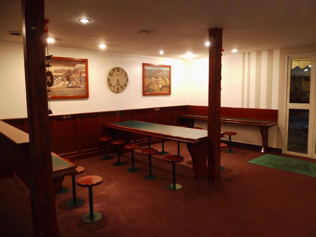 quick palace saint priest r servation gratuite sur viamichelin. Black Bedroom Furniture Sets. Home Design Ideas