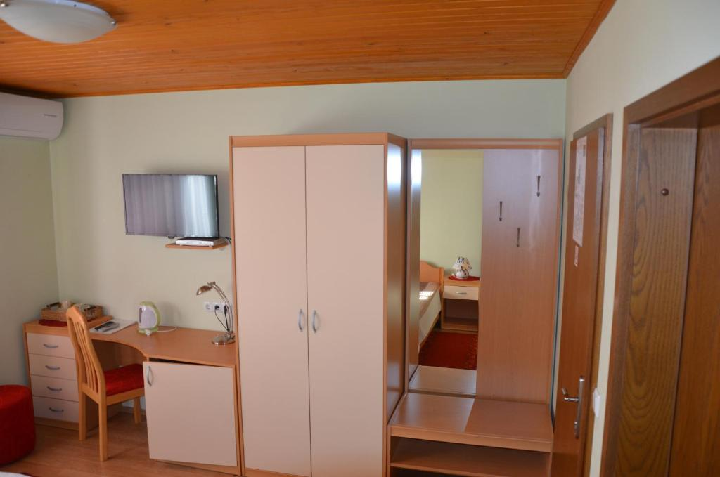 Twin Room with Mountain View Bed and Breakfast Valjavec