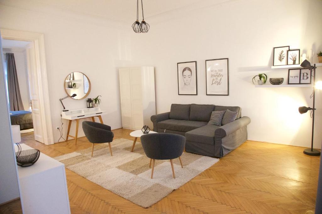 Five Season's Apartment