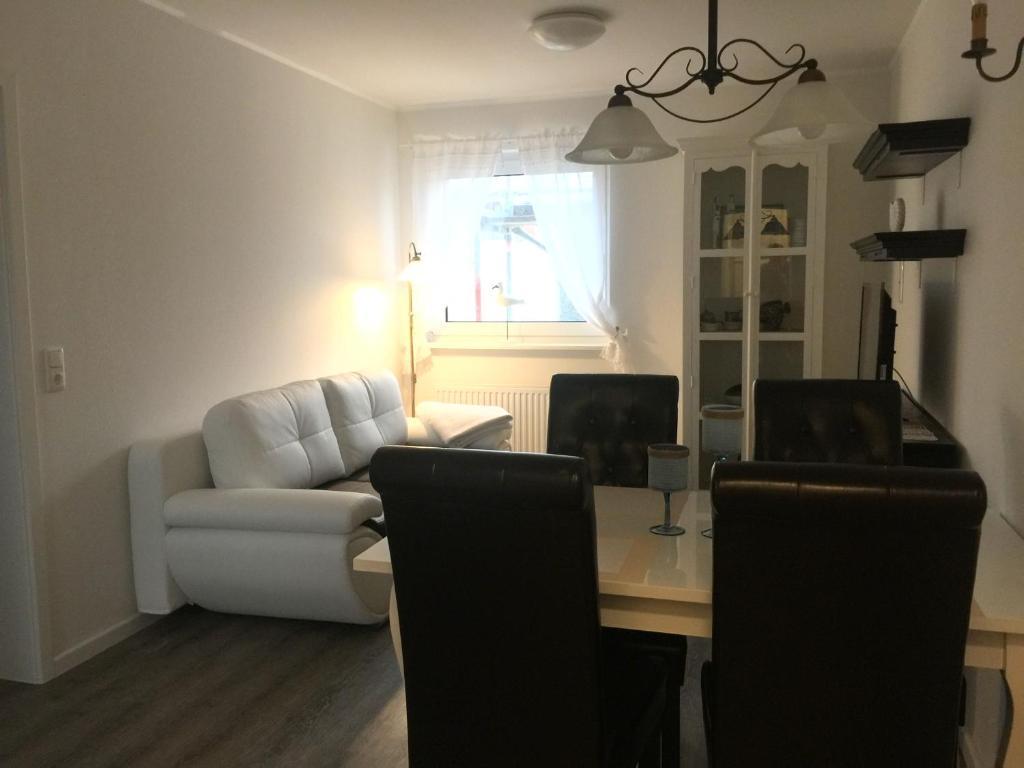 Apartment warnem nde 19 elmenhorst lichtenhagen for Warnemunde zimmer mit fruhstuck