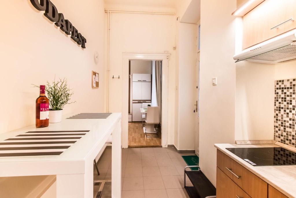 parlament apartment r servation gratuite sur viamichelin. Black Bedroom Furniture Sets. Home Design Ideas