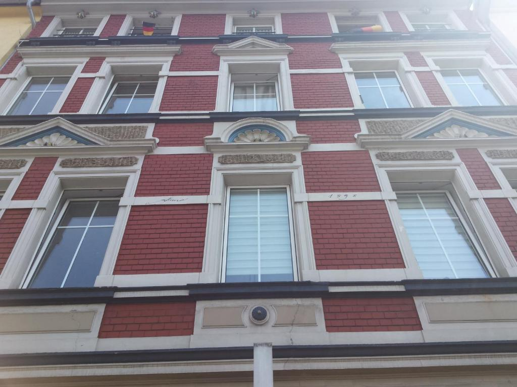 3 pfel design apartments essen viamichelin for Design hotel essen