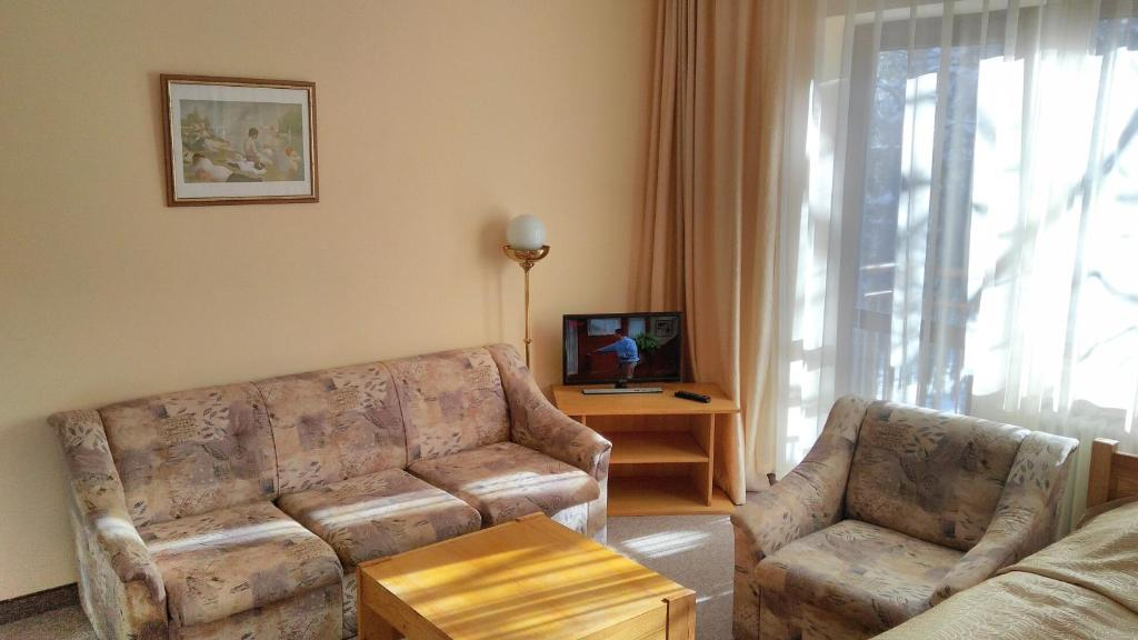 One-Bedroom Apartment (2 Adults + 2 Children) Free Shuttle to Ski Zone