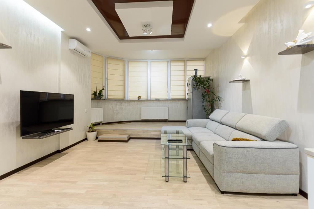 Apartment on Dragomirova