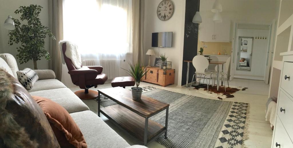 Standard Apartment by Hi5 - Károly 23, 1075 Budapest