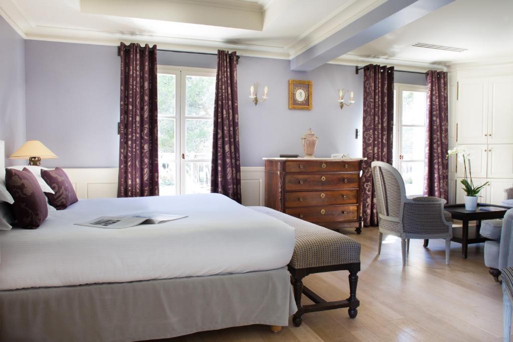 l 39 h tel spa du castellet le beausset book your hotel with viamichelin. Black Bedroom Furniture Sets. Home Design Ideas