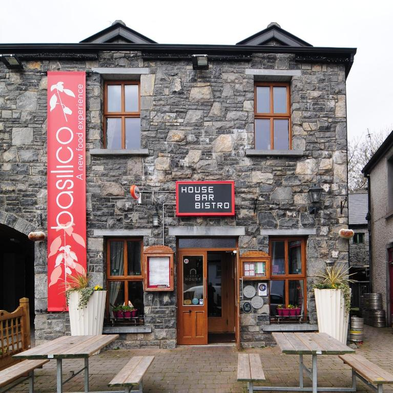 The Coach House Hotel Galway Viamichelin Informatie