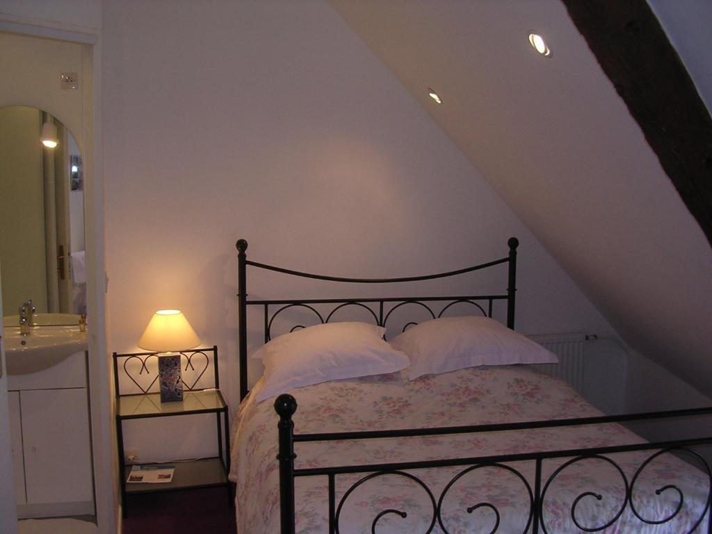 chambre d 39 h te priory view dinan dinan informationen und buchungen online viamichelin. Black Bedroom Furniture Sets. Home Design Ideas