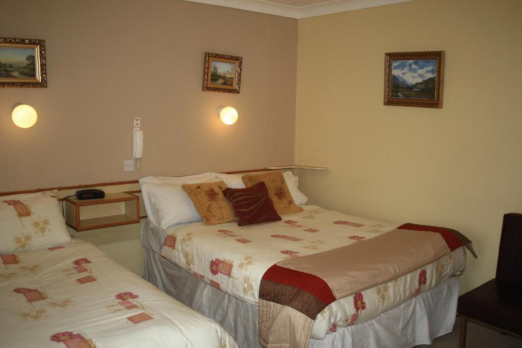 Triple Room Corrib Wave Guesthouse
