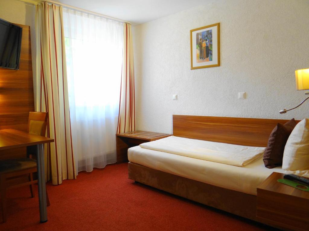 Hotels In Burstadt Deutschland