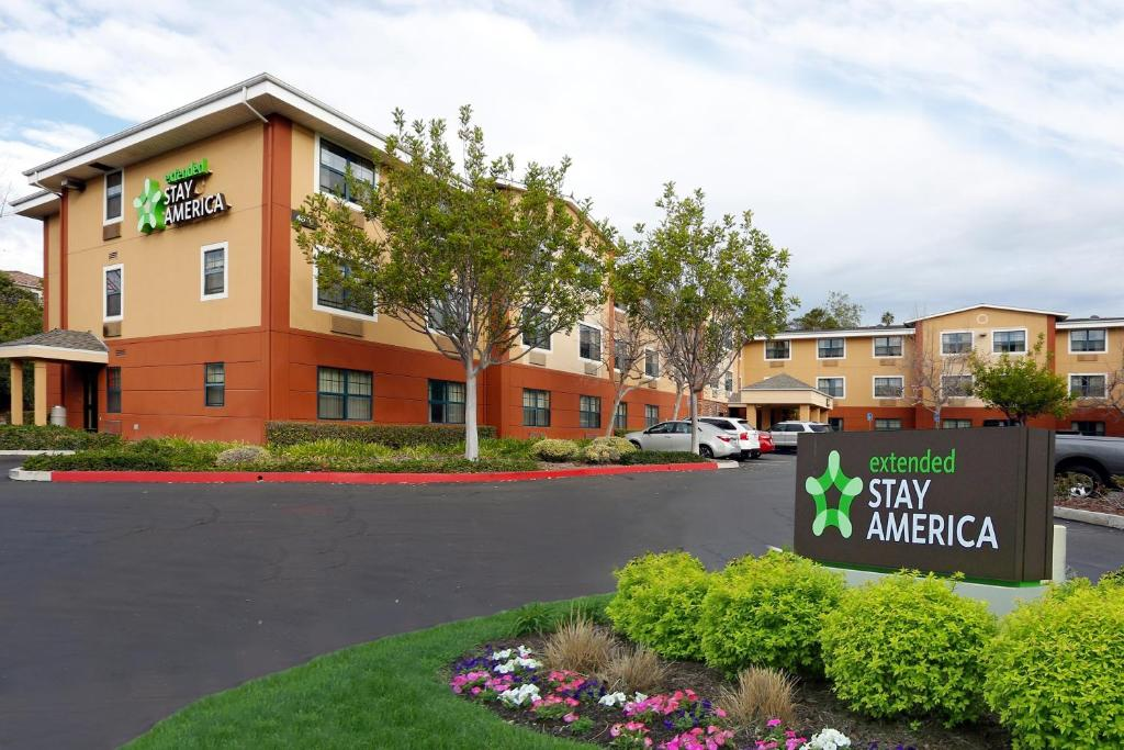 Extended Stay America Suites - Santa Barbara - Calle Real