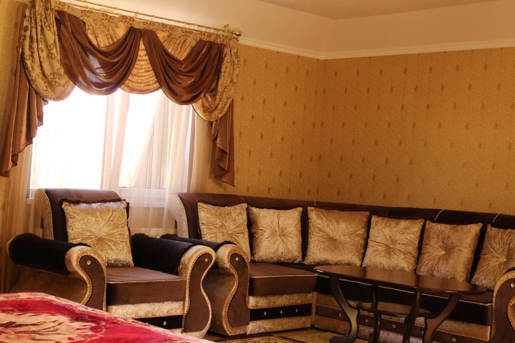 Djan Tugan Hotel