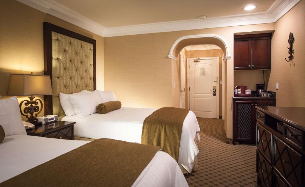 Best Western Plus Sunset Plaza Hotel Photo #92