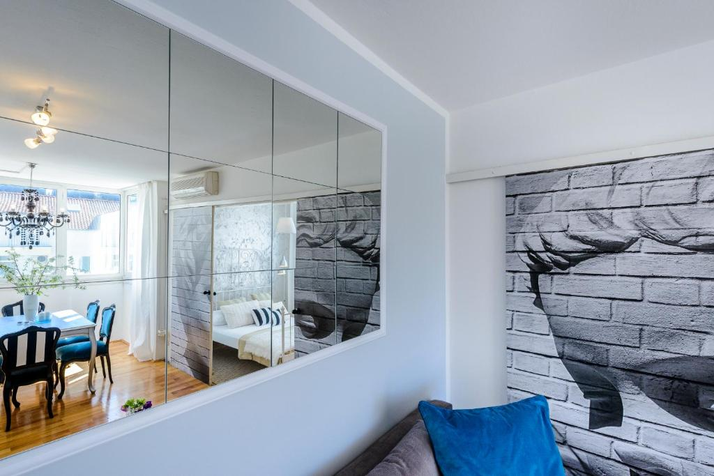 Apartment Glamour