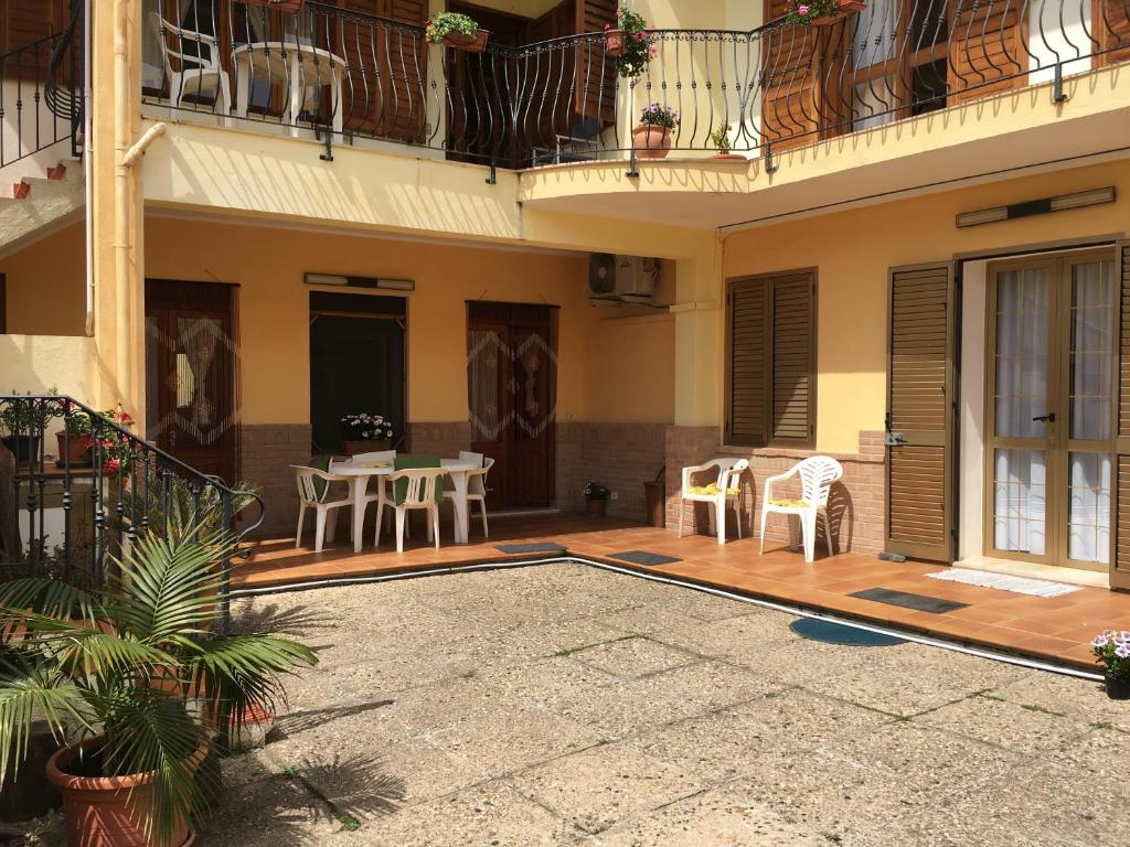 Anna Apartment image7