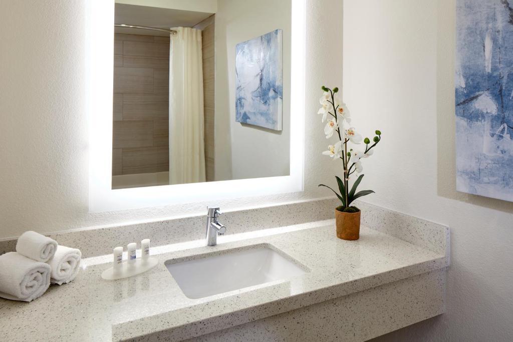 Best Western Posada Royale Hotel Amp Suites Simi Valley
