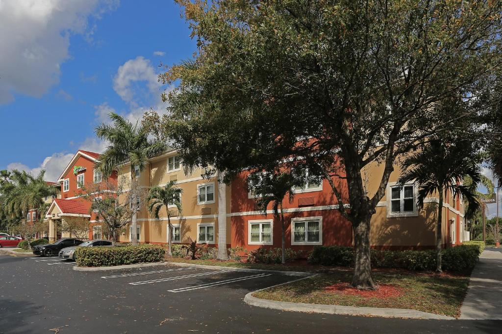 Extended Stay America Suites - West Palm Beach - Northpoint Corporate Park