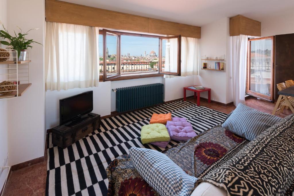 Lungarno penthouse