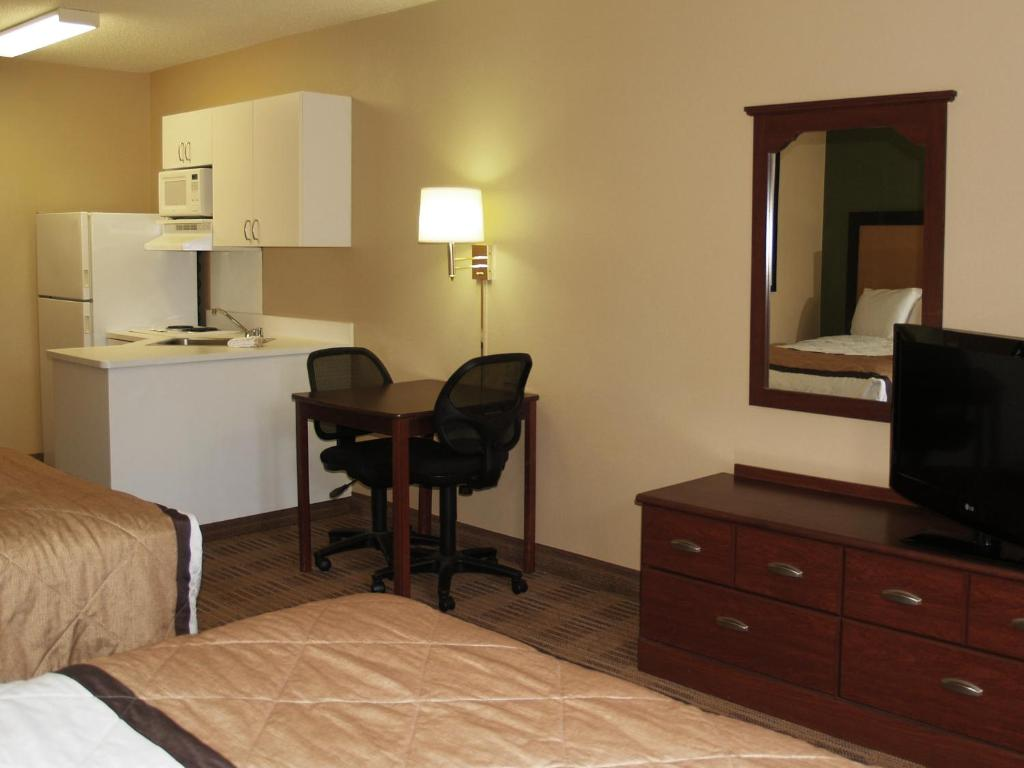 Hampton Inn Irvine/East Lake Forest - Foothill Ranch - book your ...