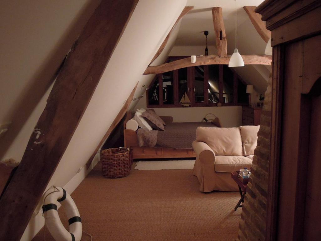 la maison de lalette r servation gratuite sur viamichelin. Black Bedroom Furniture Sets. Home Design Ideas