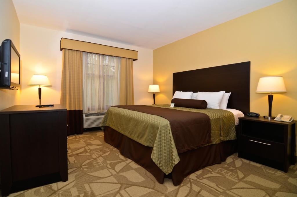 best western plus the inn suites at the falls poughkeepsie informationen und buchungen. Black Bedroom Furniture Sets. Home Design Ideas