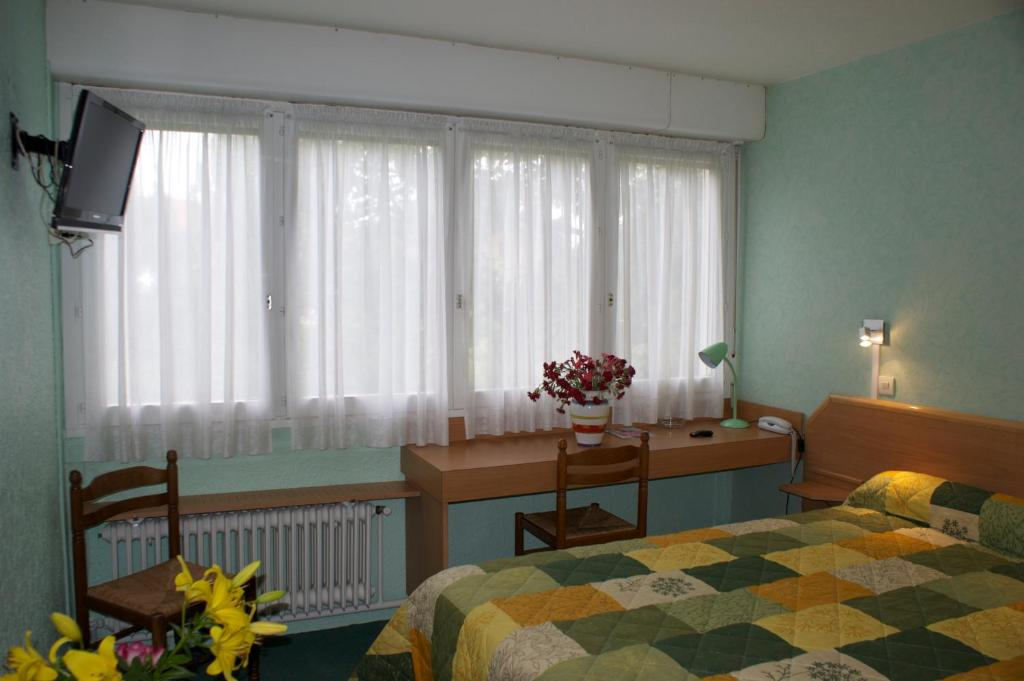 h tel le lyon bron bron viamichelin informatie en online reserveren. Black Bedroom Furniture Sets. Home Design Ideas