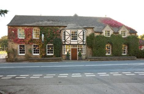 Hunters Hall Inn