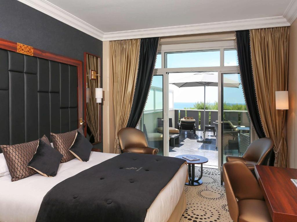 le regina biarritz hotel spa mgallery by sofitel r servation gratuite sur viamichelin. Black Bedroom Furniture Sets. Home Design Ideas