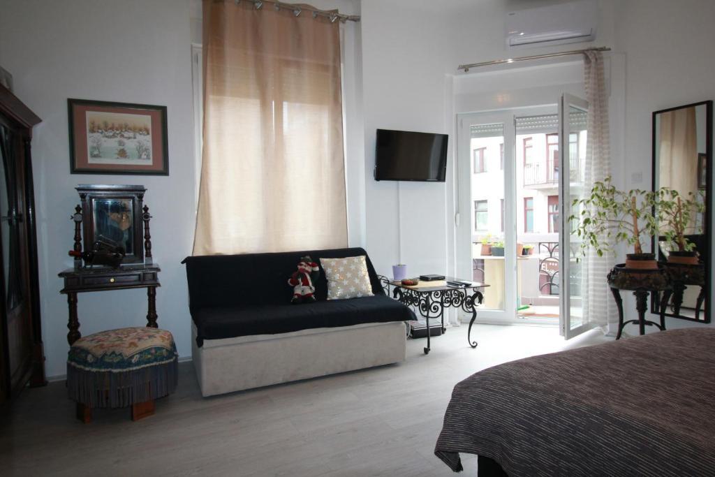 Rooms & Apartment Tea