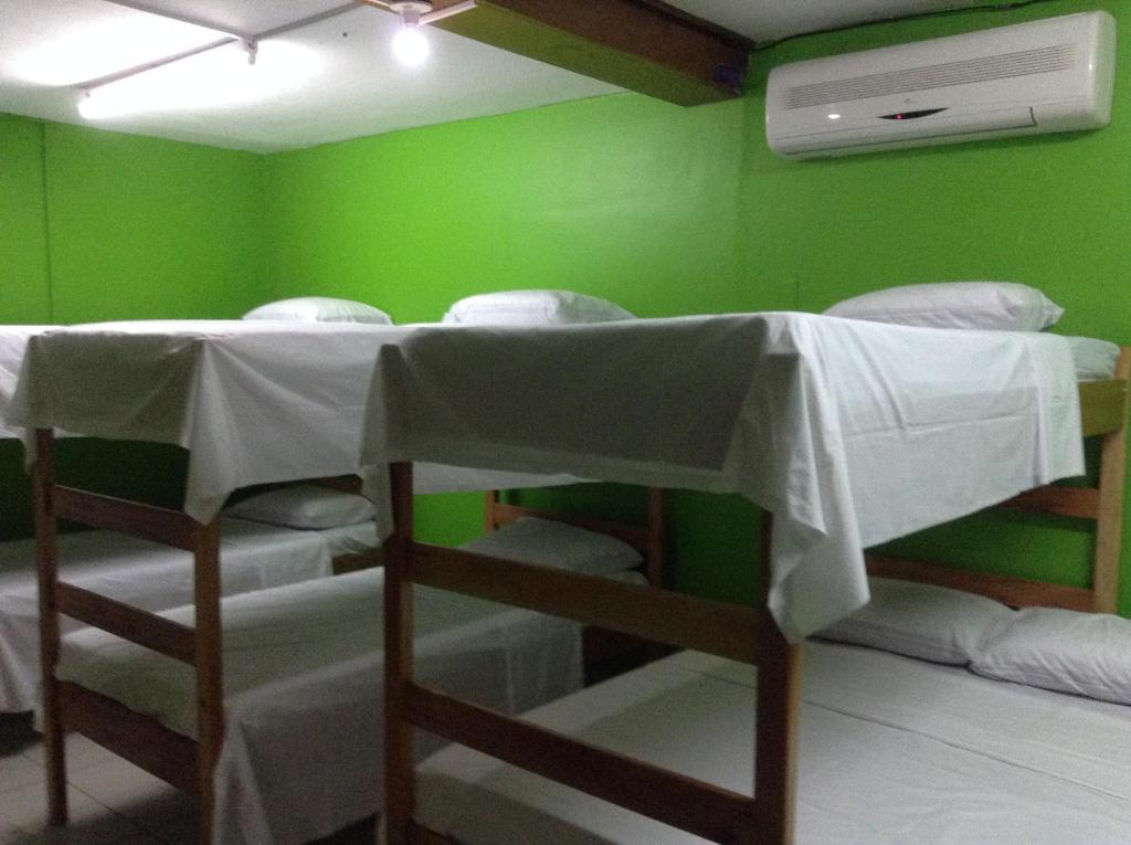 Bed in 10-Bed Mixed Dormitory Room Amelia Guest House