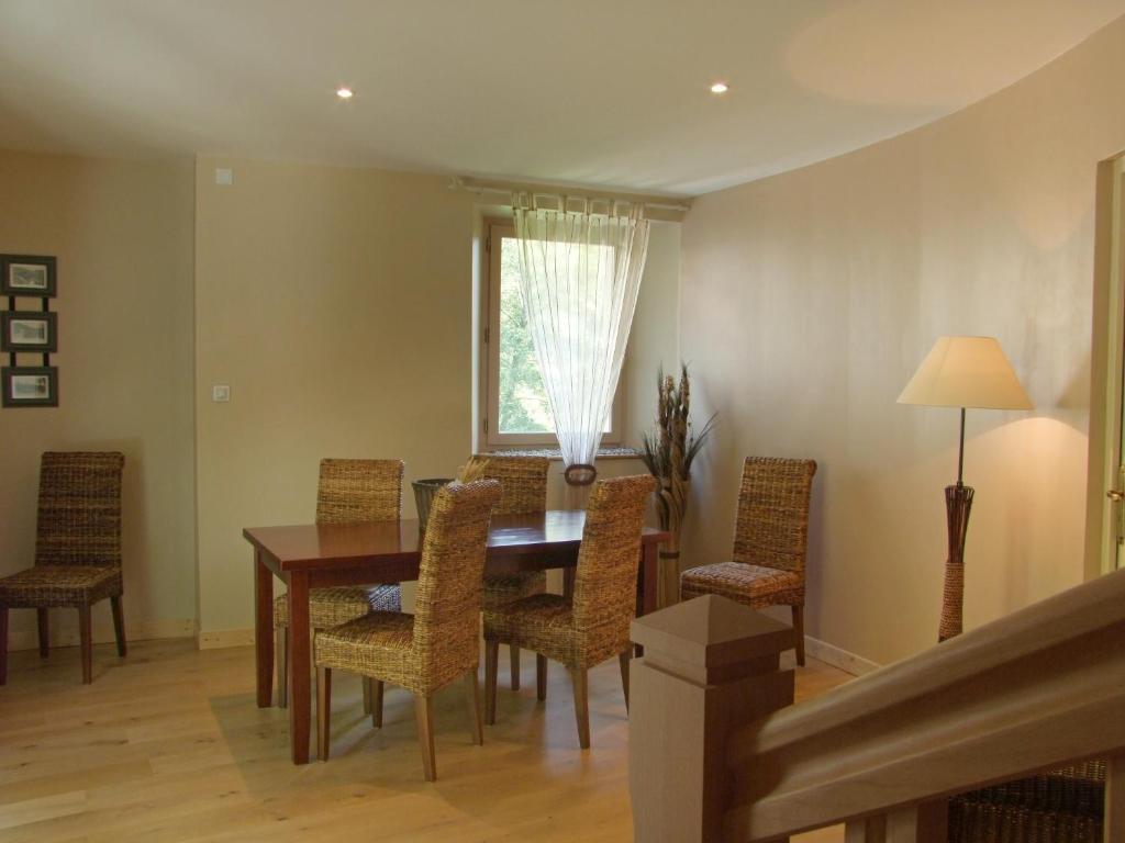 chambres d 39 hotes du moulin de lachaux r servation gratuite sur viamichelin. Black Bedroom Furniture Sets. Home Design Ideas