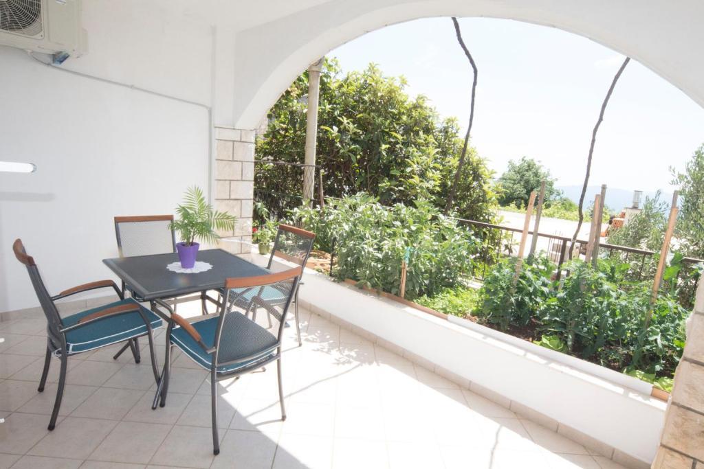 Ema Sun Apartment