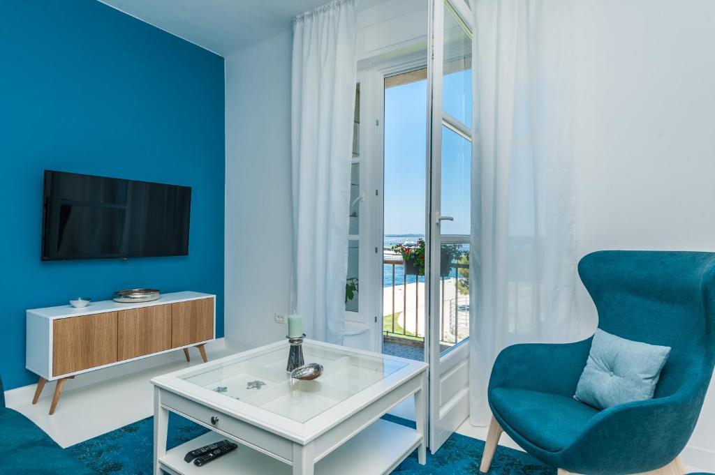 Aquamarine Sea View Apartment