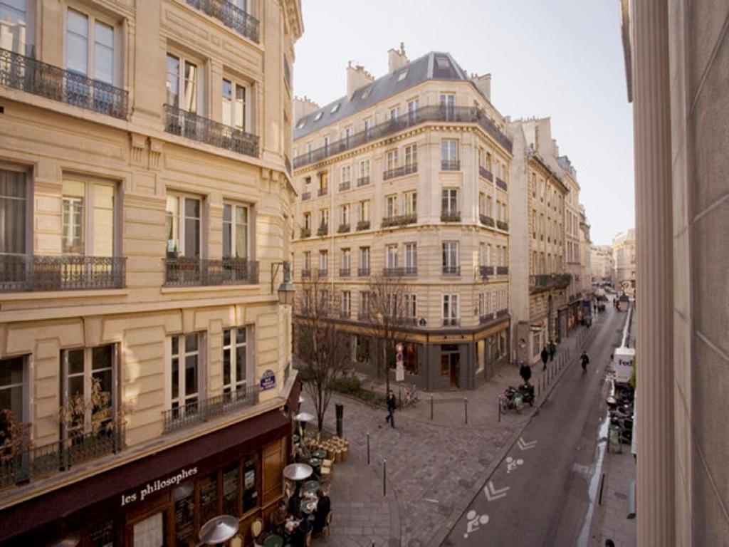 29 Rue De La Ferronnerie page 3 - paris hotels - viamichelin