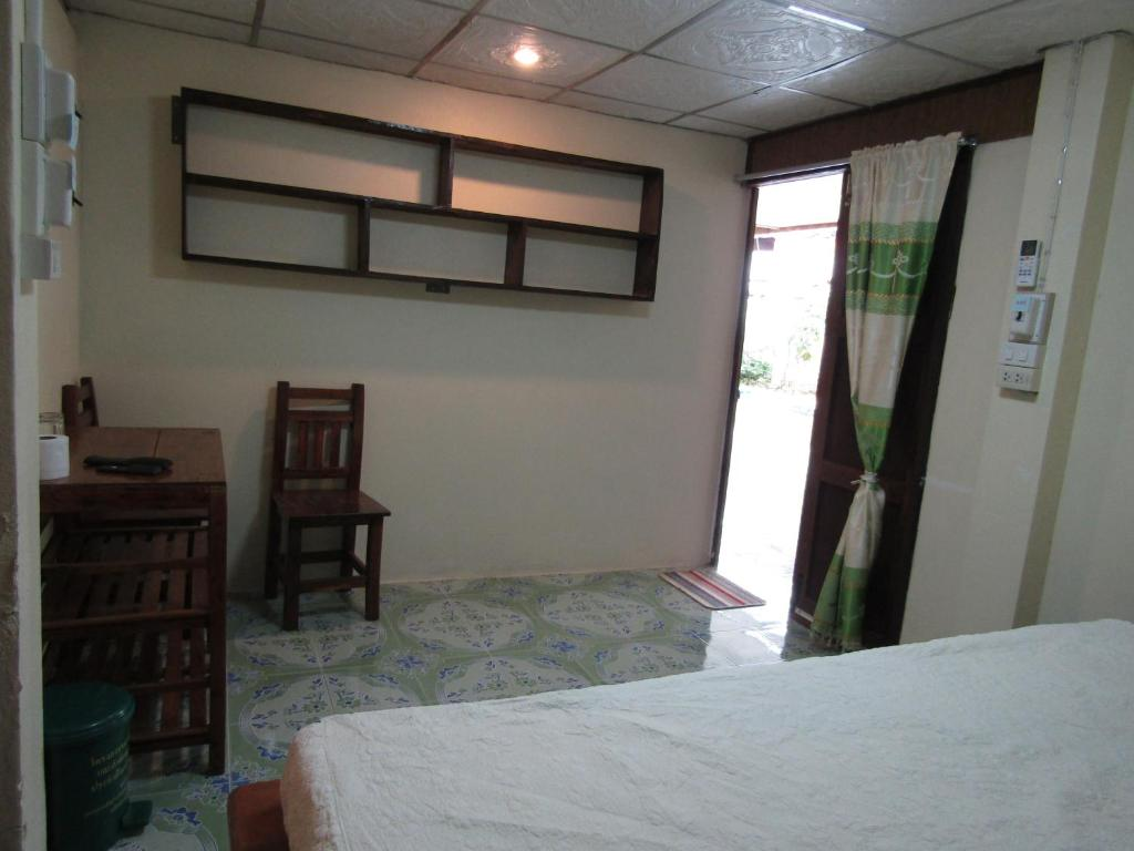 Double Room with Private Bathroom Ban Kru Ching Guesthouse