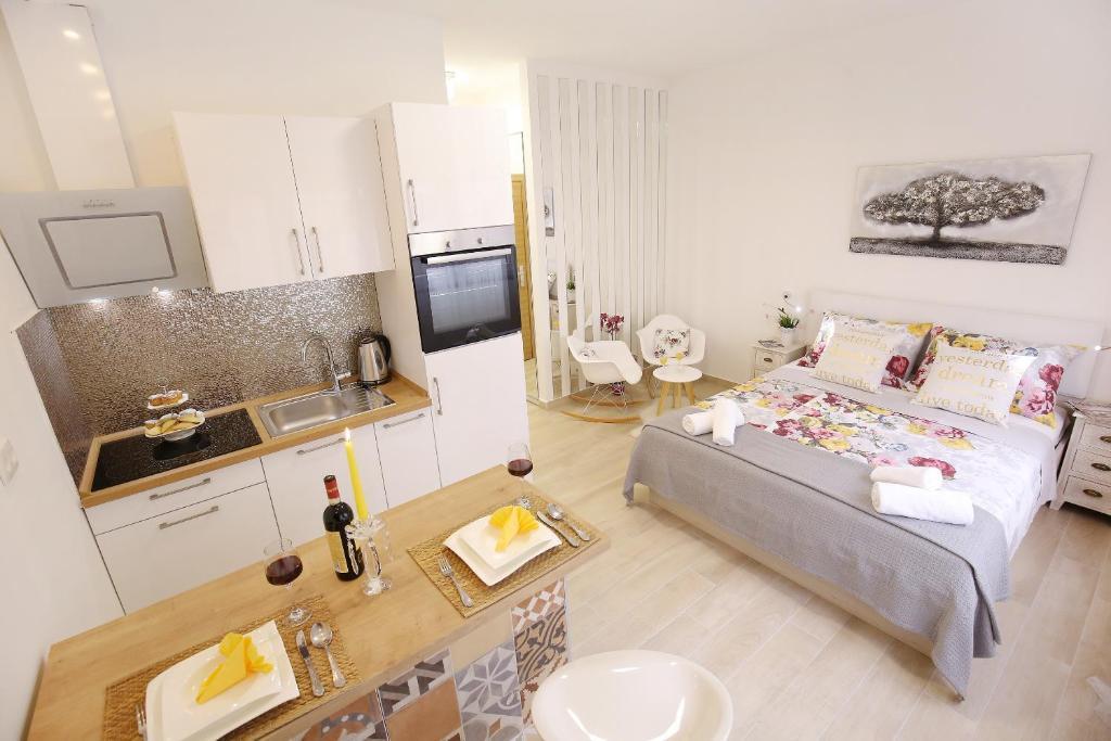 A'marie Apartments