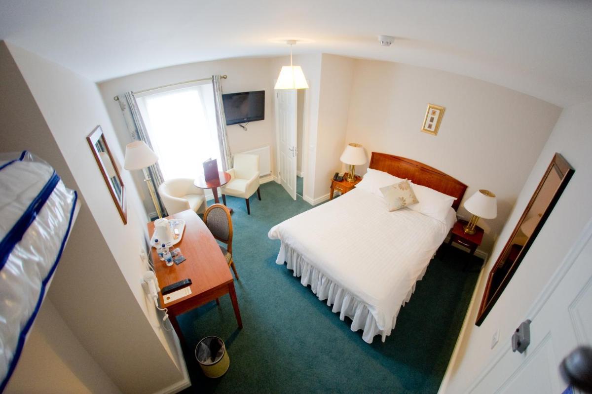 Photo - Four Seasons Hotel