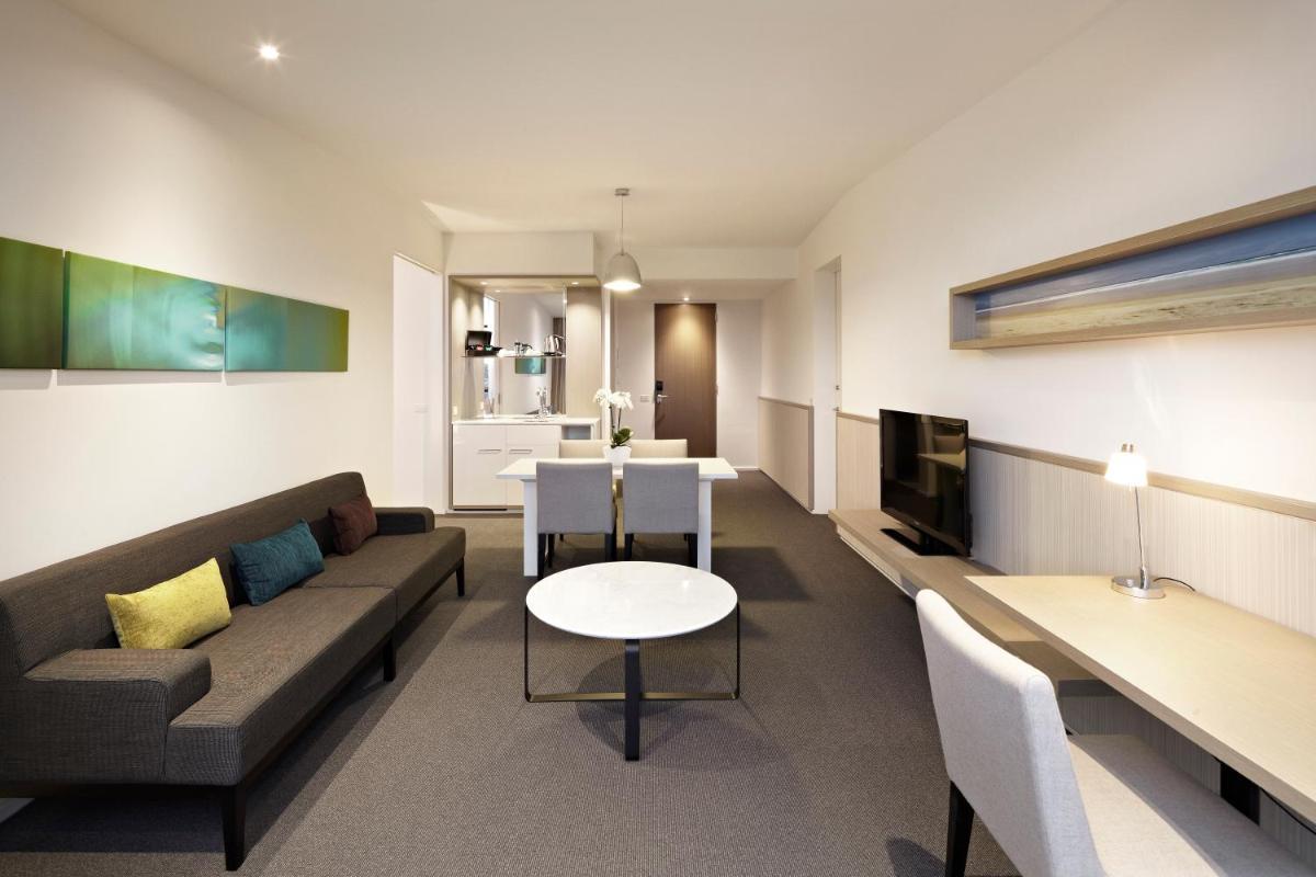 Photo - Flinders Hotel