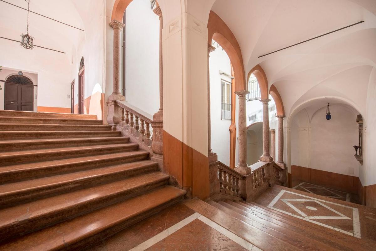 Foto - Casa degli Affreschi a Palazzo Lungarini