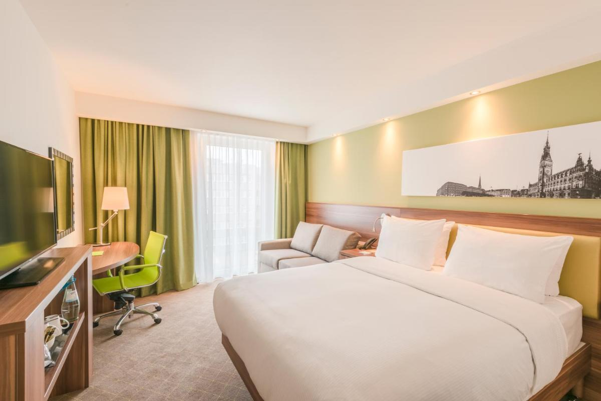 Photo - Hampton by Hilton Frankfurt City Centre