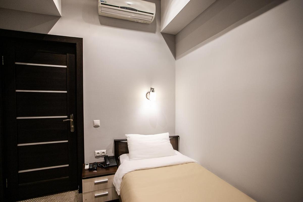 Photo - Hanzer Hotel