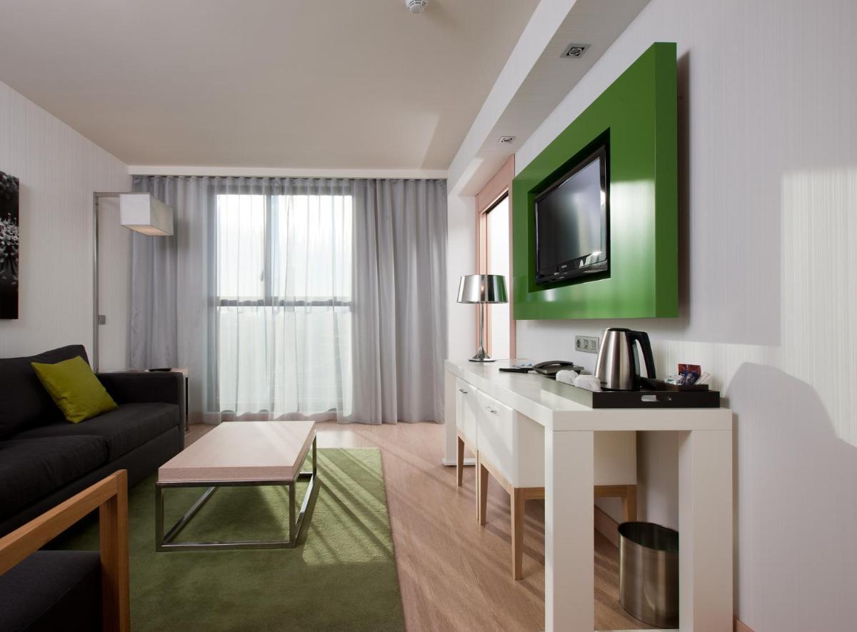 Photo - DoubleTree by Hilton Girona