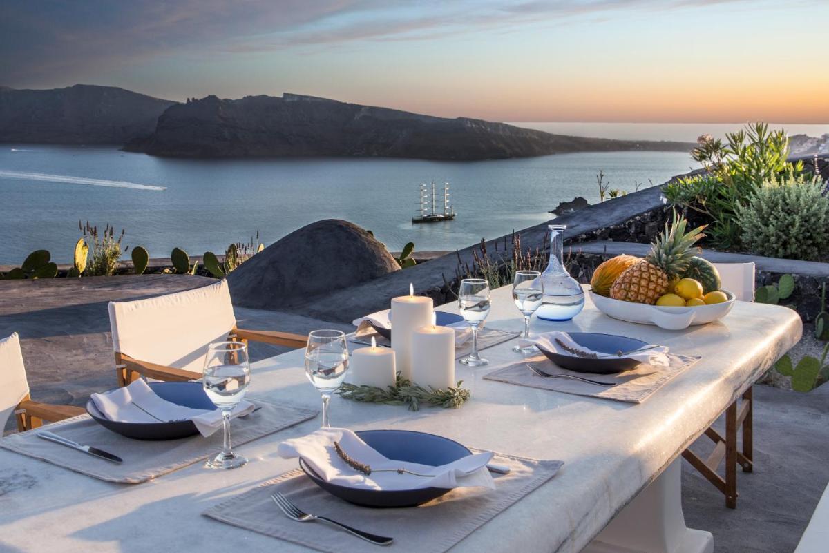 Photo - Perivolas Hotel