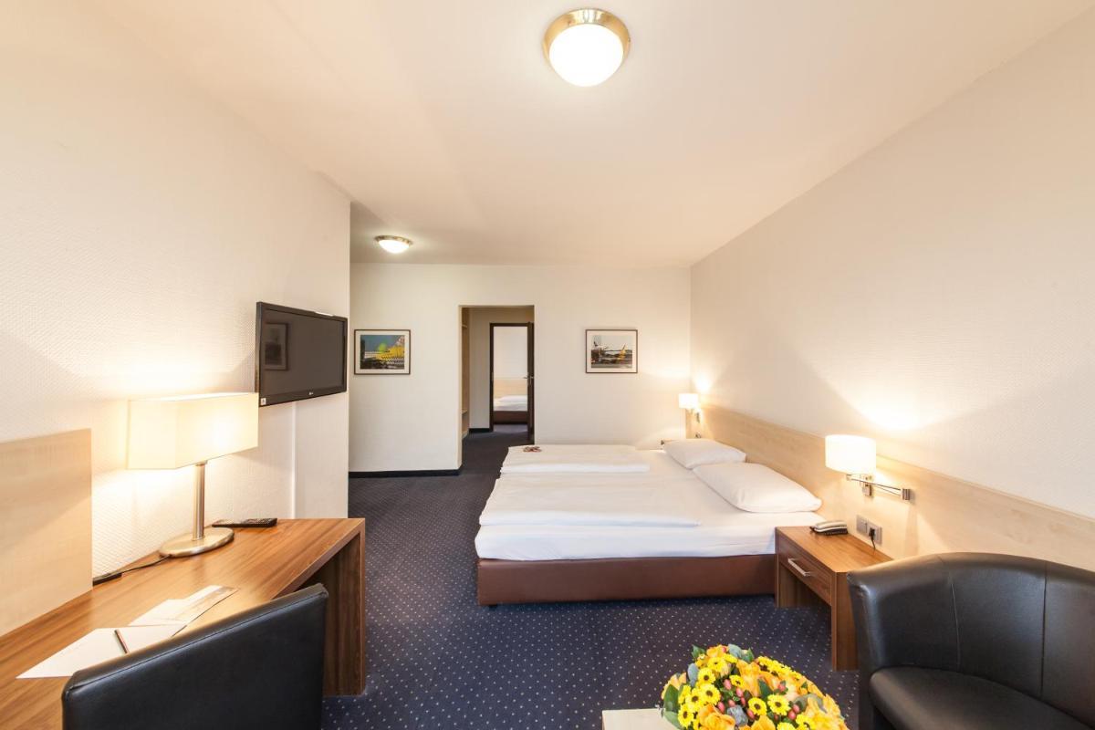 Photo - Novum Hotel Mariella Airport