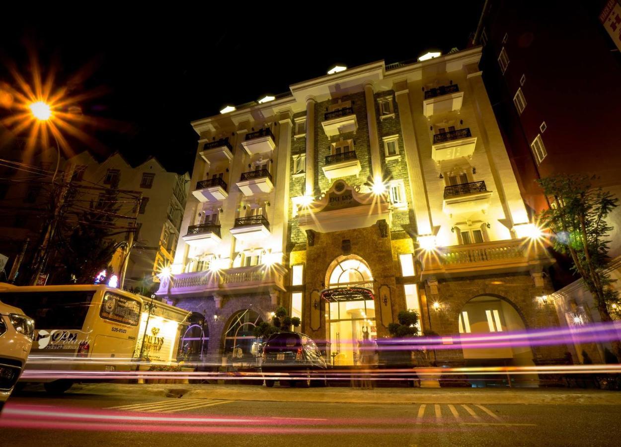 Combo Free & Easy: Hotel Du Lys và vé máy bay khứ hồi