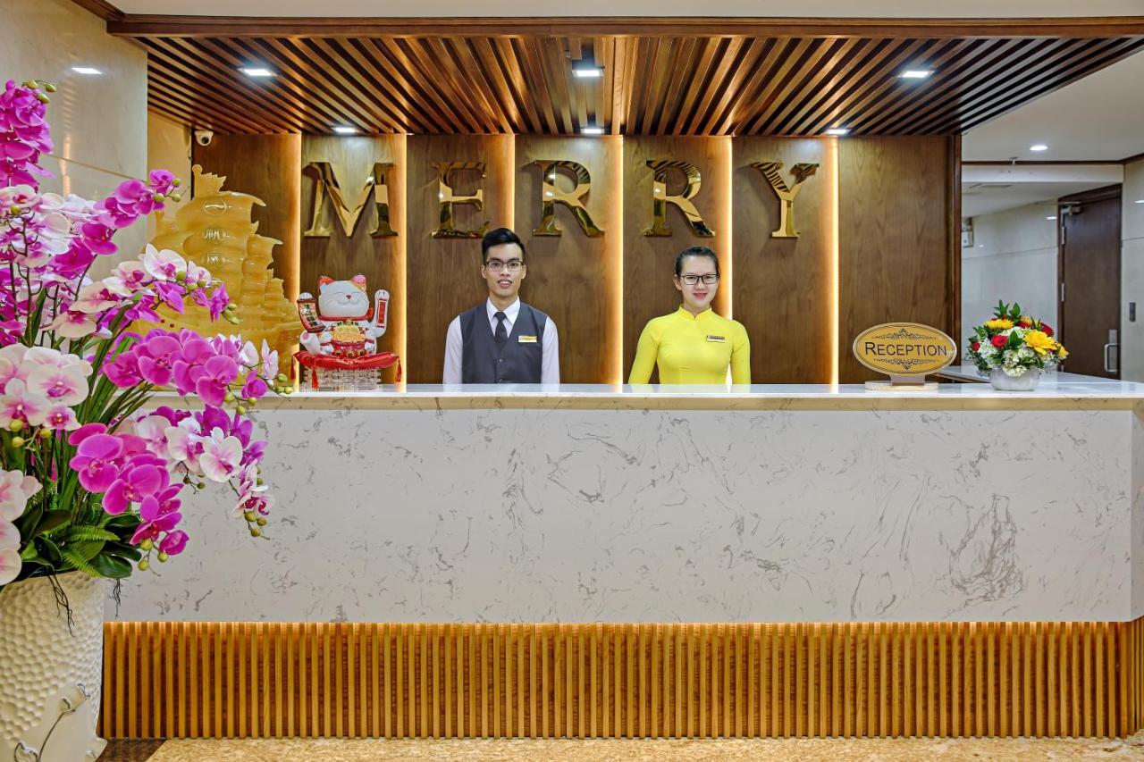 Combo Free & Easy: Merry Hotel và vé máy bay khứ hồi