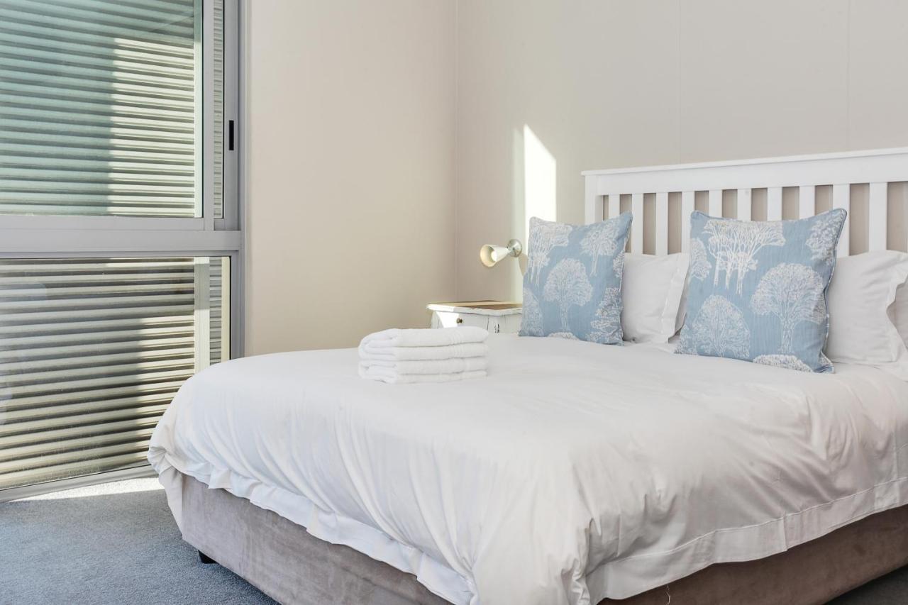 Foreshore Luxury Apartments-photo1