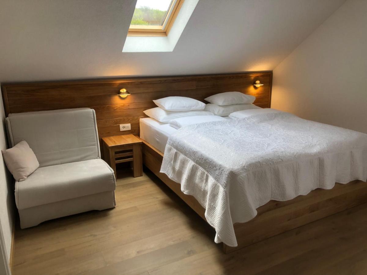 Soba s bračnim krevetom