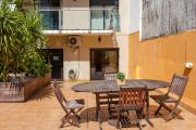 2 Bedroom and Terrace Apartment near Sagrada Familia