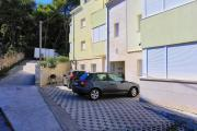 Apartments and rooms with parking space Split 11623
